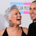 Pregnant Pink drops hint she has gone into labour